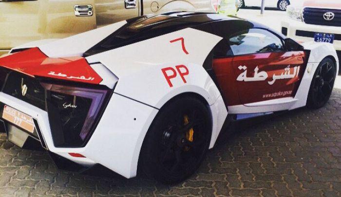 Новая патрульная машина в Абу-Даби.