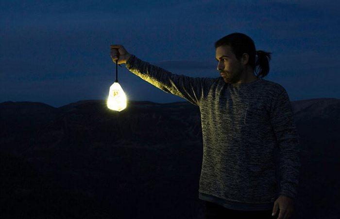 Luminoodle Color - универсальный фонарик для выезда на природу.