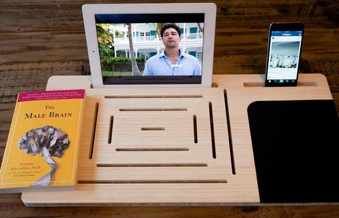 Подтсавк для книг, планшет, смартфон, плеер – поможет доска-держатель LapPad.