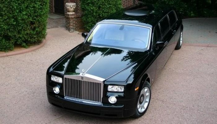 Rolls Royce Phantom Limo.