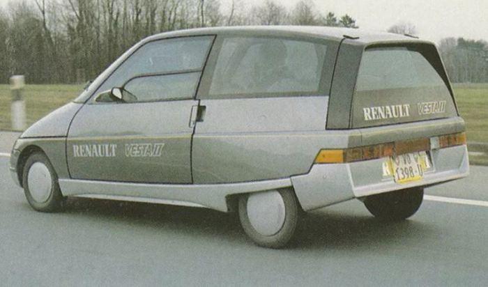 Автомобиль VESTA II был полон интересных решений.