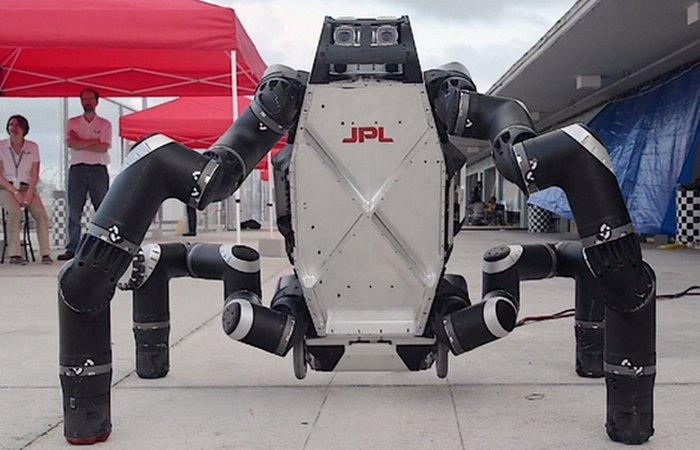 Уникальный робот RoboSimian.