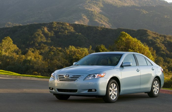 Седан 2007 Toyota Camry LE.