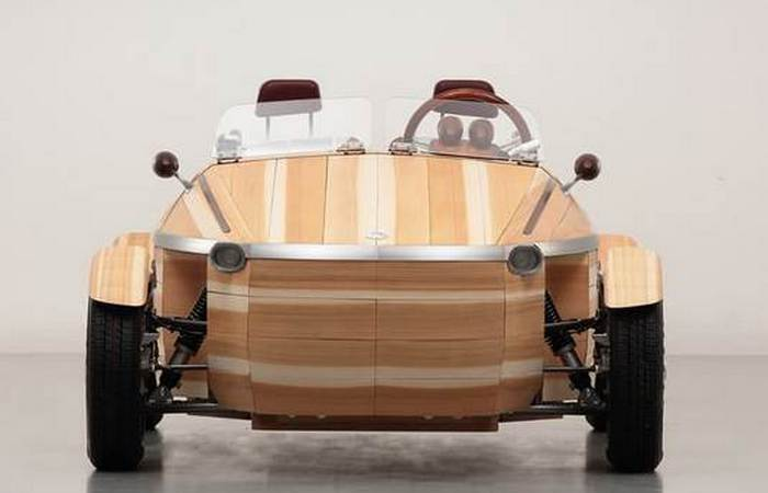 В Toyota Setsuna Concept практически нет металла.