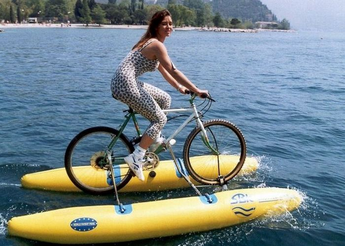 SBK - велосипед для езды по воде.