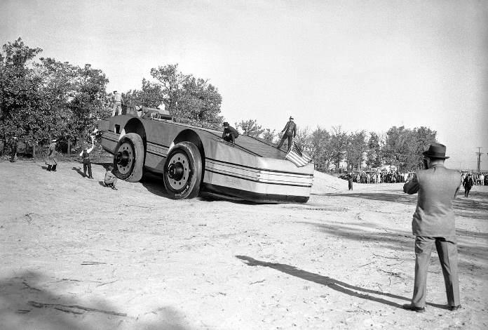 Snow Cruiser использовал уникальные шины.