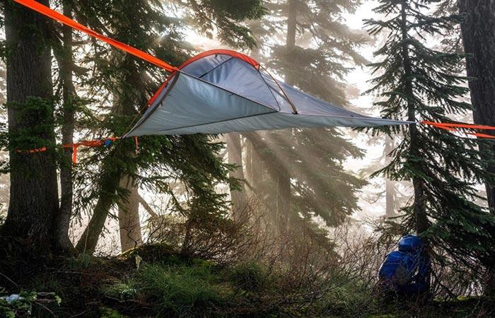 Вес палатки всего 400 грамм.