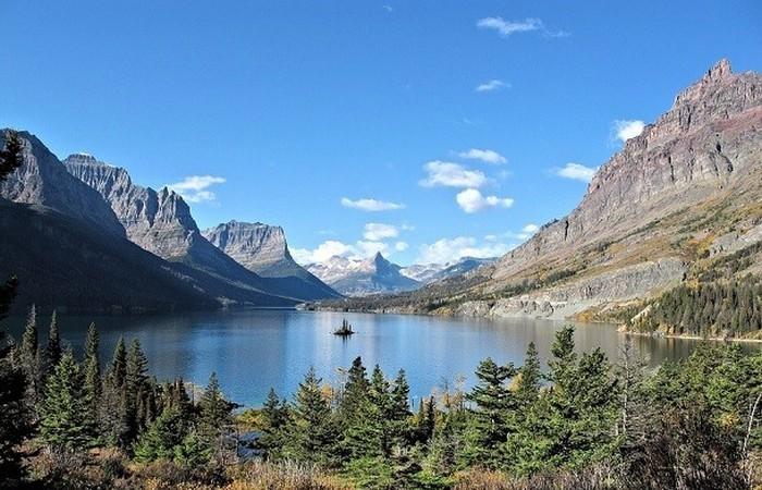 Канада является одной из самых популярных стран среди иммигрантов.