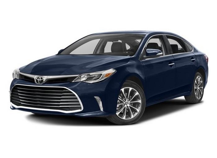 Автомобиль Toyota Avalon.