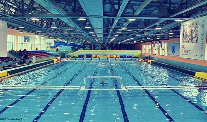 Три бассейна золота.