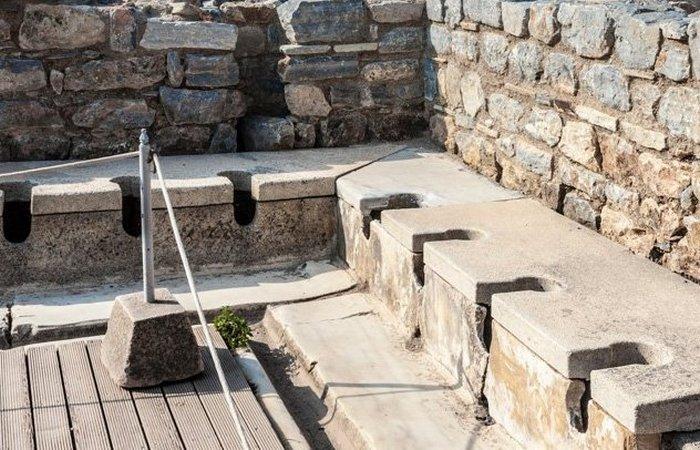 Туалет в Древнем Риме.