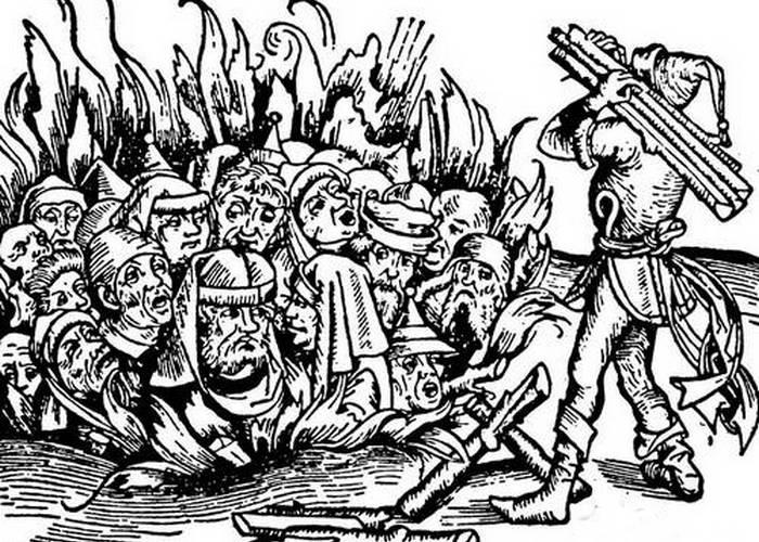Во Франции 14-го века больных псориазом сжигали на костре.