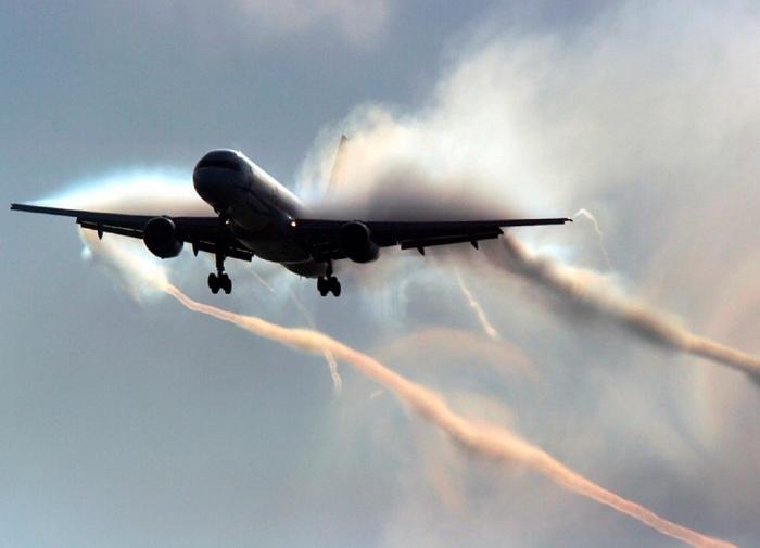 Сбрасывается перед посадкой. |Фото: transport-news.ru.