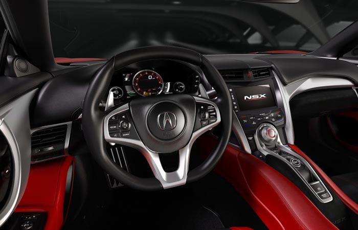 Рулевое колесо и приборная панель Acura NSX.