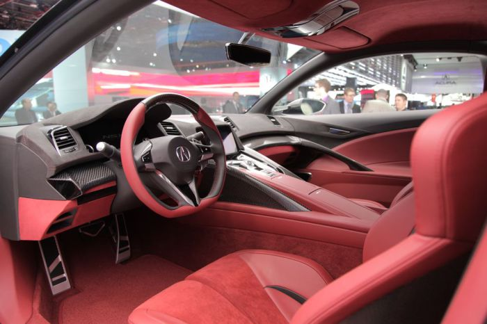 Салон Acura NSX.