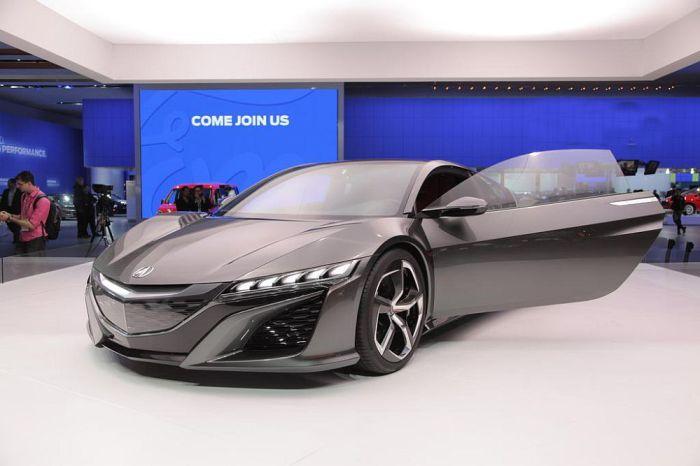 Acura NSX - суперкар, ориентированный на человека.