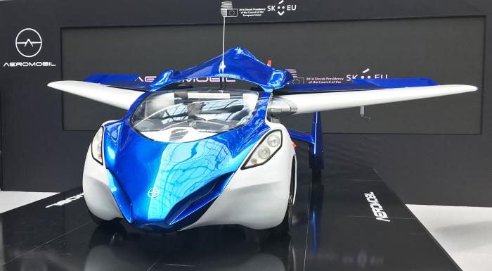 Колесный самолет Aeromobil.