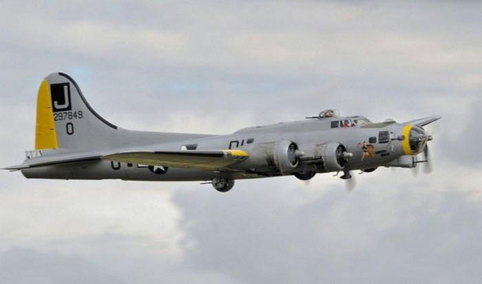 Самолет Boeing B-17.