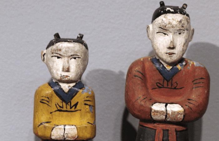 Корейские погребальные куклы.