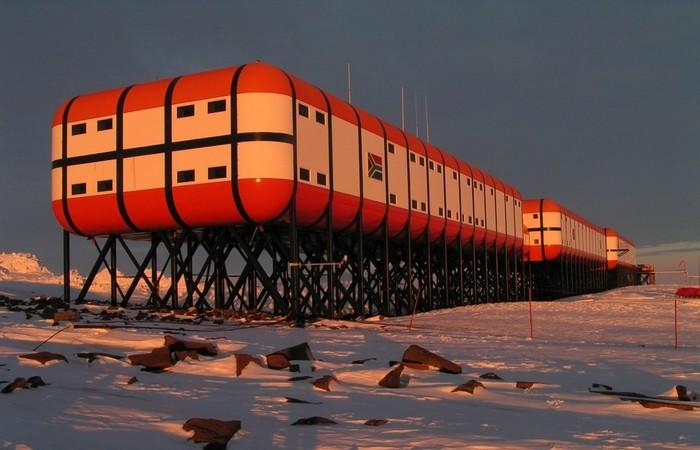 Антарктиде не проводятся хирургические операции.