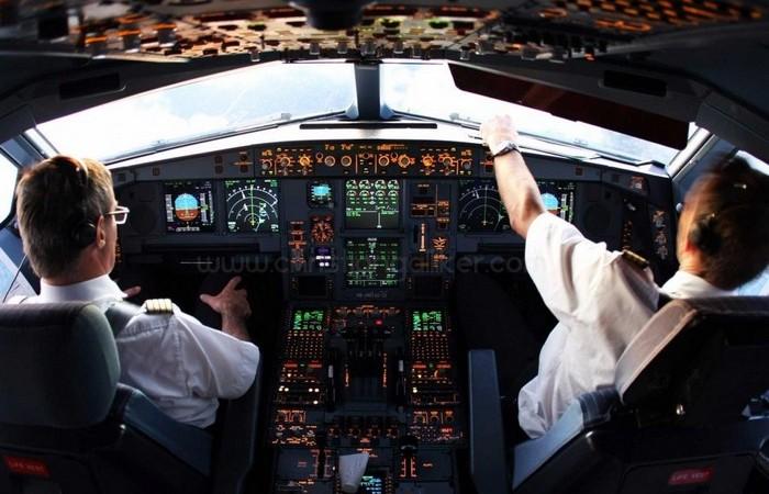 Запрет выполнять пассажирские рейсы без людей-пилотов.