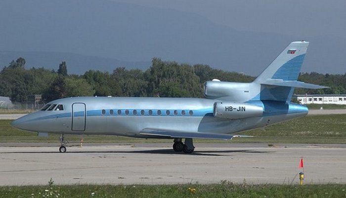 Пассажирский самолет Dassault Falcon 900 EX.