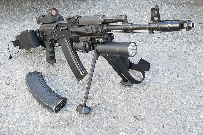АК-74 М.