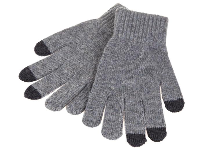 Touch Gloves нужны зимой каждому.