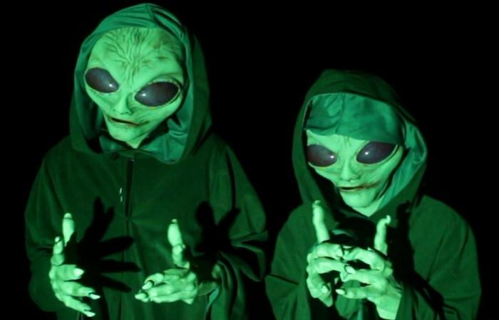 Более 20 000 человек приобрели страховки от похищения инопланетянами.