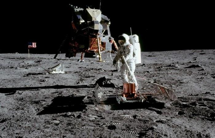 Изначально астронавты предполагали, что это была ступень ракеты SIV-B.