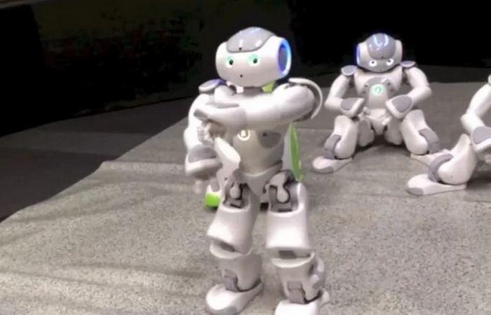 Удивительный робот Nao.