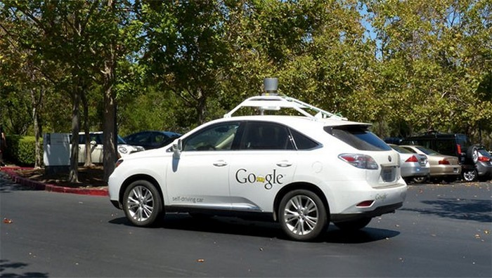 Обратить внимание: беспилотные авто.
