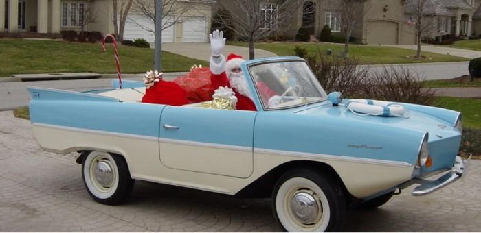 Дед Мороз на Amphicar.