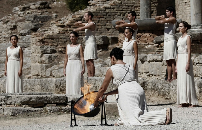 Церемония зажжения Олимпийского огня.