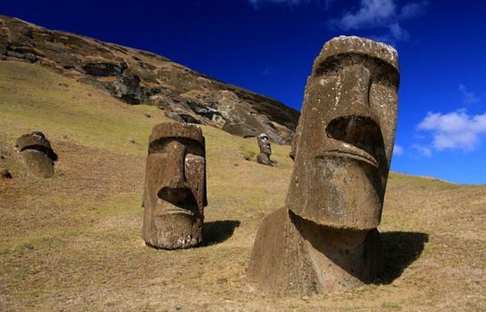 Моаи острова Пасхи.