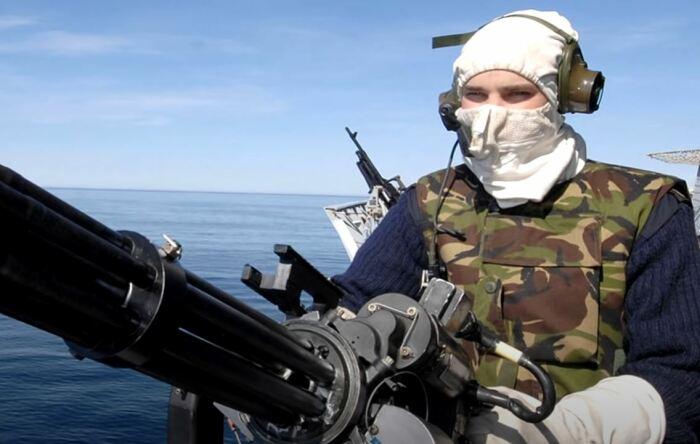 Защищает лицо, голову и шею. |Фото: youtube.com.