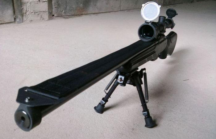 Для чего на снайперских винтовках крепят ремень поверх ствола.