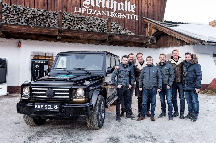В кругу друзей и на крутом внедорожнике. /Фото: trucktrend.com.