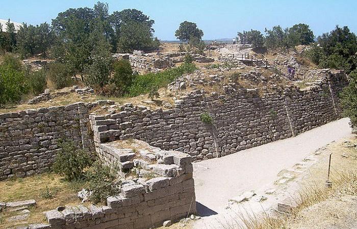 Археолог, взорвавший древний город Троя.