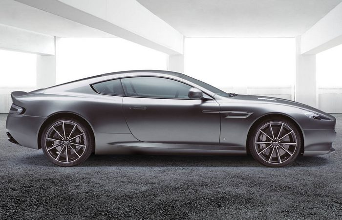 Автомобиль Aston Martin DB9 GT Bond Edition.