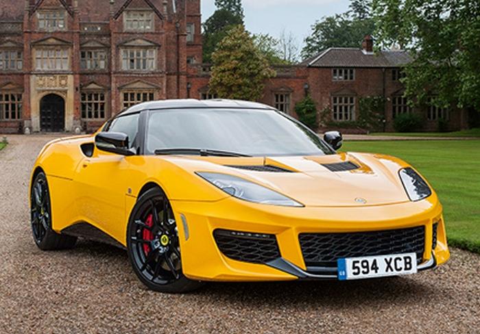 Автомобиль Lotus Evora 400.