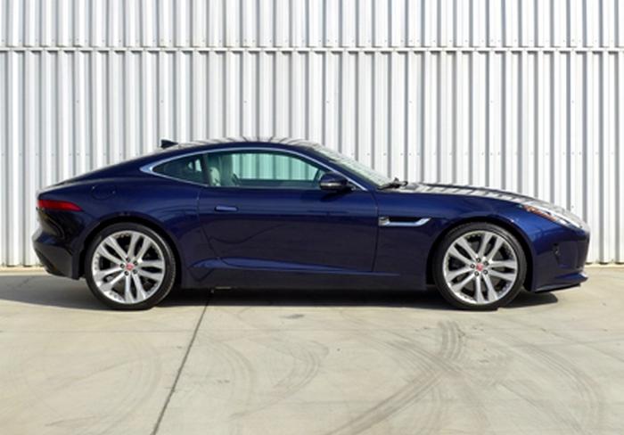 Автомобиль Jaguar F-Type S Manual.