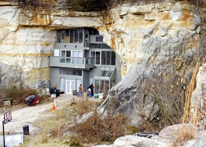 Пещерный дом в Фестусе.