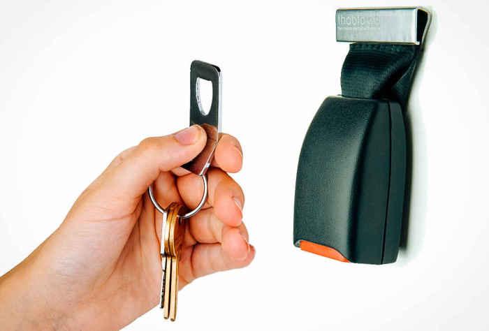 Фиксатор для ключей.