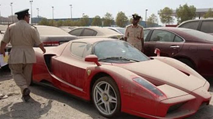 Ferrari Enzo ищет нового хозяина.