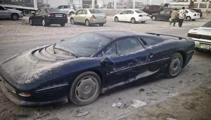 Автомобили, брошенные хозяевами.