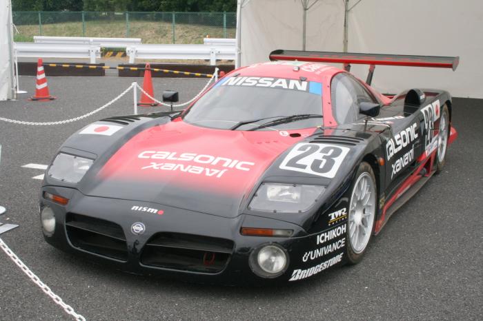 Nissan R390 GT1.
