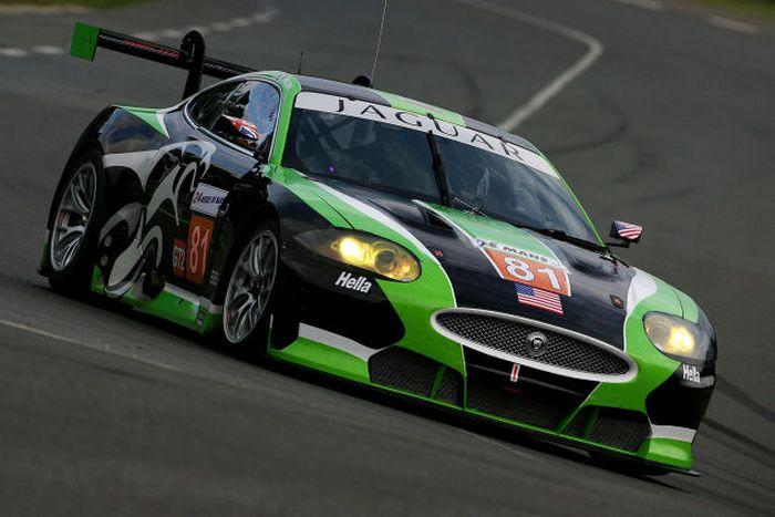 Jaguar XKR GT2.