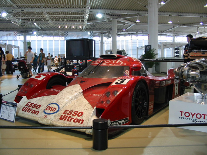 Toyota GT-One.