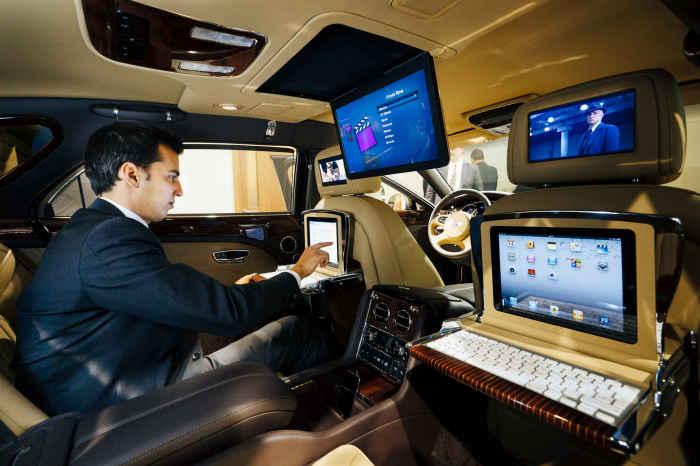 Как превратить офис в автомобиль.
